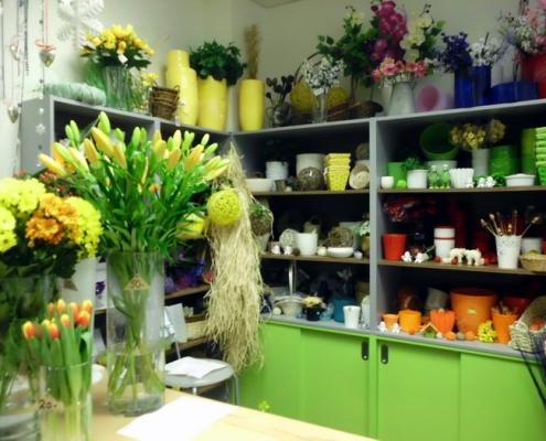 Škola Jarov - školní prodej květin